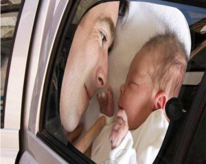 Tendina auto con bimbo e papà