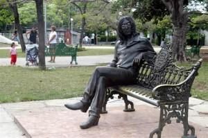 Statua di John Lennon a l'Havana