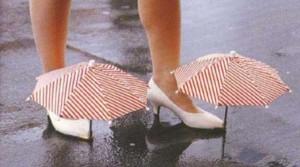 Invenzioni inutili - ombrellini da scarpe